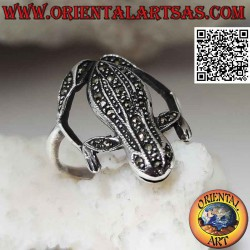 Frog-shaped silver ring...
