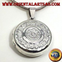 pendentif en argent, Cadres ronds ciselés