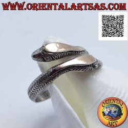 Silver ring, pair of snakes...