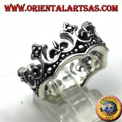 silver ring crown