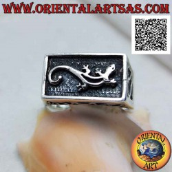 Silver ring with gecko...