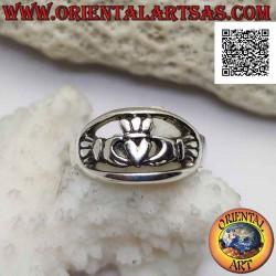 Серебряное кольцо Claddagh...