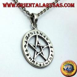 pendentif en argent, pentagramme avec des runes celtiques