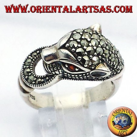 Tigre silver ring with marcasite and ruby eyes