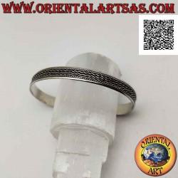 Жесткий браслет из серебра...