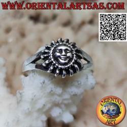 Anello in argento a forma...