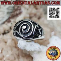 Кольцо из серебра с широкой...