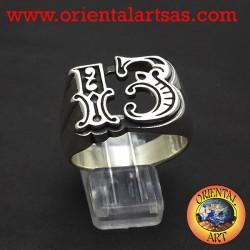 Anello in argento a forma di tredici