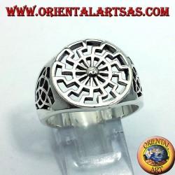 серебряное кольцо черное солнце с Тайрон узлом