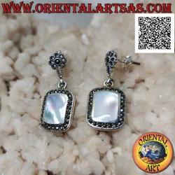 Silver earrings with lobe...
