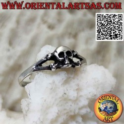 Silver ring with skull on...