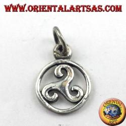 colgante de plata, triskelion en el símbolo del círculo cósmico del Báltico