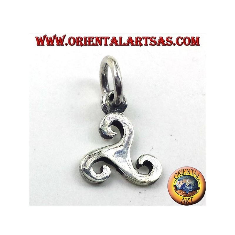pendentif en argent, symbole de triskelion de la Baltique