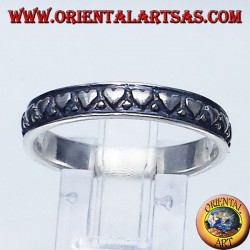 anello in argento, fedina con cuori intagliati