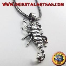 colgante de plata, escorpión móvil en tres dimensiones
