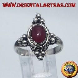 anello in argento con corniola cabochon ovale Bali