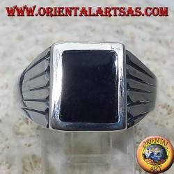 Anello in argento linee intagliate, con Onice rettangolare