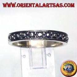 anello in argento, fascia stretta intarsiata a pallini