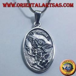 colgante de plata de San Miguel y ángel de la guarda