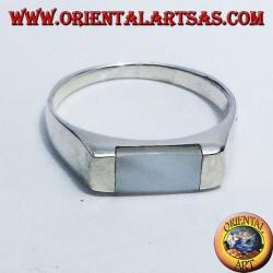 Anello in argento con madreperla