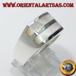 Silver ring with two mother of pearl