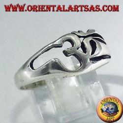 Anello in argento con lettera sacra dell'Induismo