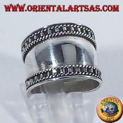 Anello fascia larga in argento, Bali con bordi a scala