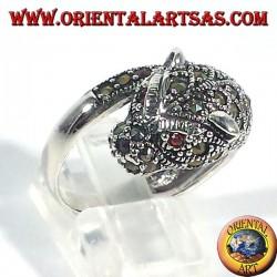 anillo de plata, tigre con marcasita y rubí ojos