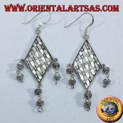 orecchini d'argento intreccio su rombo con pendenti
