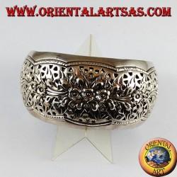 Silver bracelet rigid chiseled by hand