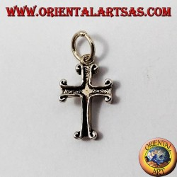 colgante de plata, pequeña cruz tallada
