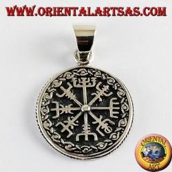 ciondolo d'argento aegishjalmur e vegvisir con rune celtiche