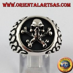 Silver ring, flame pirate skull