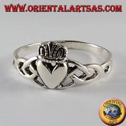 anillo de plata de la lealtad de Claddagh del irlandés del amor y la amistad