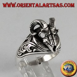 Anello  d'argento  teschio di ariete