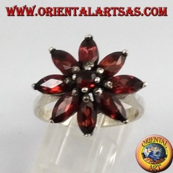 Silver Ring Star of natural faceted Garnets cut Shuttle