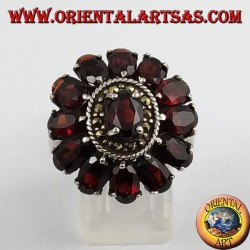 oval silver ring, with 13 garnets natural oval faceted and marcasite