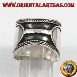 Anello fascia larga in argento, Bali, treccia centrale