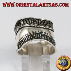 Anello fascia larga in argento, Bali con bordi lavorati