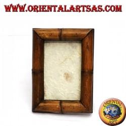 Cadre cadre en bois avec un petit bambou
