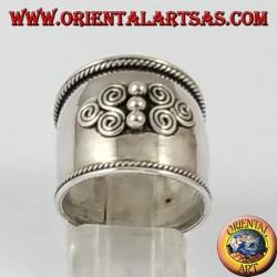 Anello fascia larga in argento, Bali con due triskell