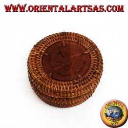Round box with flower inlaid on the wood