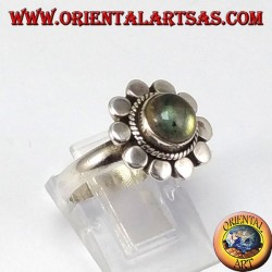 Silver daisy ring with round labradorite