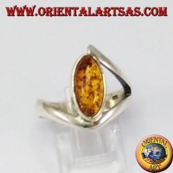 асимметричное серебряное кольцо с челноком янтарного