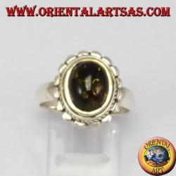 Anello d'argento con Ambra verde ovale
