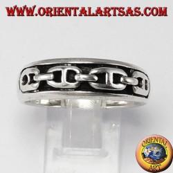 Anello d'argento a fedina con catena a bassorilievo