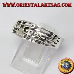 Anello d'argento chiave di violino sul pentagramma
