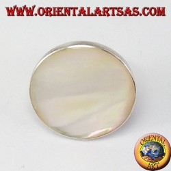 Silver ring with round mother of pearl