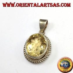 Ciondolo in argento con Topazio naturale ovale