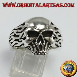 Silver ring, Skull with fire